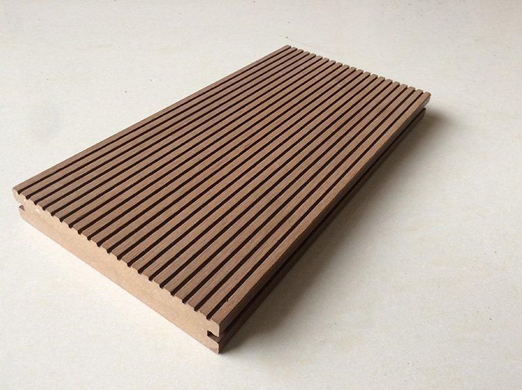 木塑地板成为公园建设中一道靓丽的风景线